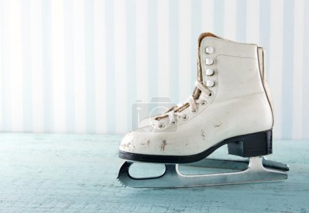 Feminine winter sports concept