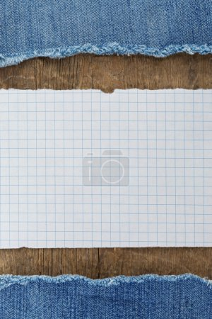 note paper on wood texture