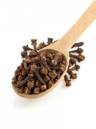 Clove spices and spoon