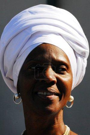 Photo pour Dimona, isr - nov 06:black Hébreux femme le 3 nov 2008.adult membres exercer trois fois par semaine et il est conseillés d'avoir au moins un massage complet du corps chaque mois pour ses bienfaits pour la santé. - image libre de droit