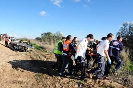 ASHKELON,ISR - FEB 01:Rescue team evacuates injuri...