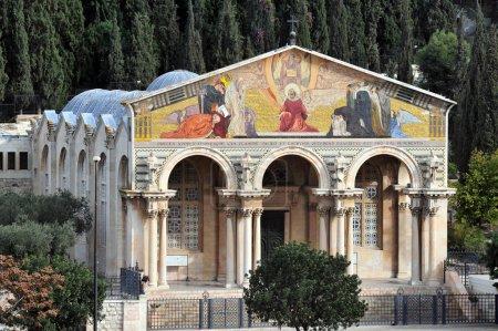 Photo pour Jerusalem - dec 12 2008:church de toutes les nations au Mont des oliviers à Jérusalem, le Mont israel.the a été un lieu de culte juif et chrétien depuis l'antiquité - image libre de droit