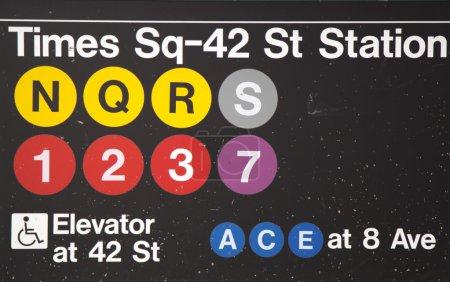 Entrada a la estación de metro Times Square 42 St en Nueva York