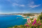 Panoramatický pohled letoviska Středozemního moře, hezké, cote d