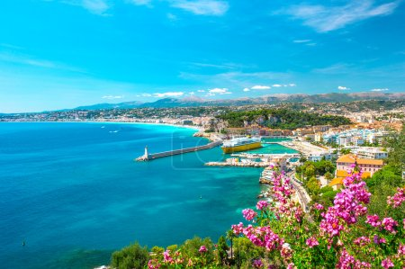Photo for Nice city, french riviera, France. Turquoise mediterranean sea and perfect blue sky - Royalty Free Image