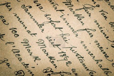 Foto de Antiguo texto manuscrito en lengua alemana de aprox. 1896. Fondo vintage Grunge. Foto de estilo retro entonado - Imagen libre de derechos