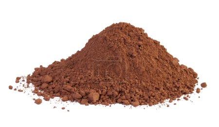 Photo pour Poudre de cacao isolée sur fond blanc - image libre de droit