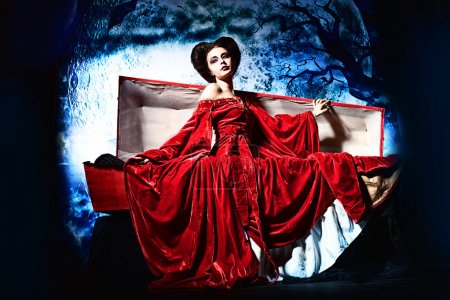 Bloodthirsty female vampire rises from the coffin ...