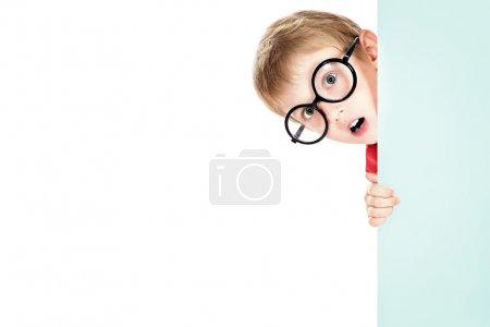 peeking around
