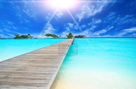 Photo pour Incroyable vue sur l'océan sur l'île tropicale - image libre de droit