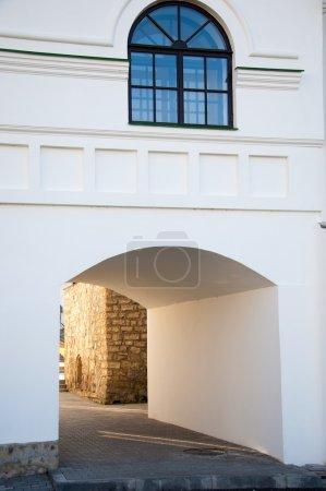 Photo pour Fenêtre magique. châssis de fenêtre classique. gros plan tiré de fenêtre en bois. - image libre de droit