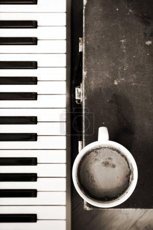 Photo pour Monohrome image, café, musique - image libre de droit