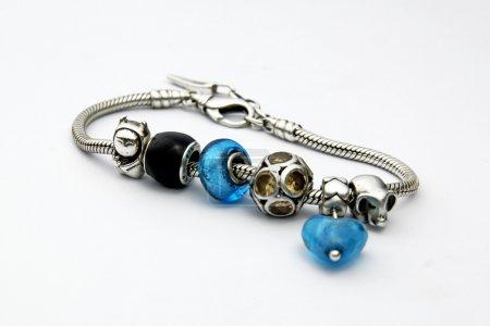 Photo pour Bracelet en argent - image libre de droit