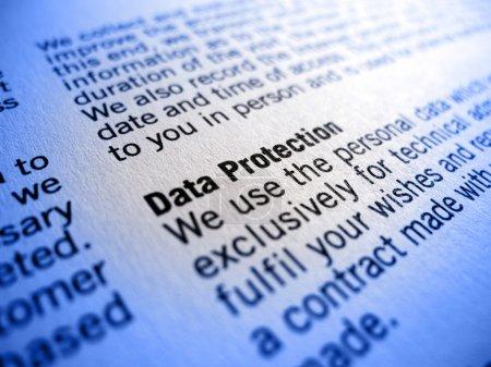 Photo pour Mettre l'accent sur l'expression protection des données dans un accord ou un traité (CTG) ) - image libre de droit