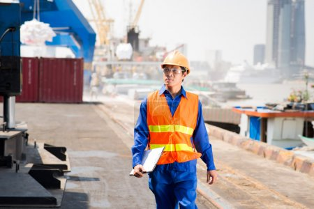 Dock worker controlling