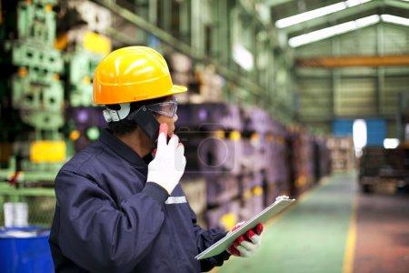 Photo pour Ingénieur industriel - image libre de droit