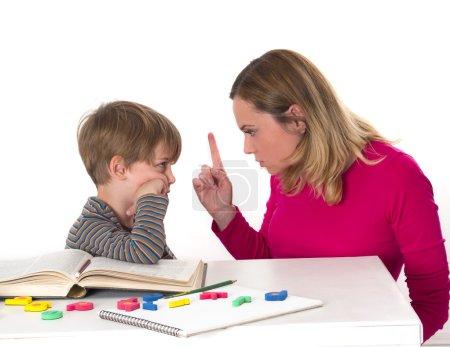 jeune élève ne veut pas apprendre