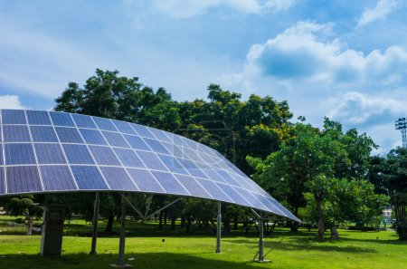 Foto de Energía alternativa, solar, solar. Respetuoso del medio ambiente . - Imagen libre de derechos