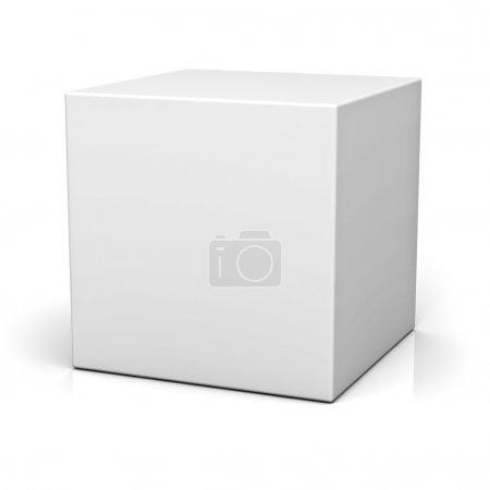 leere Box auf weißem Hintergrund mit Reflexion