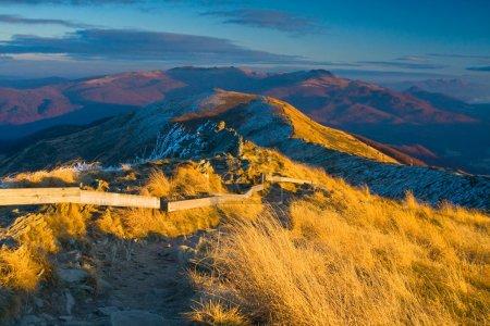 Foto de Montaña de otoño en bieszczady, Polonia - Imagen libre de derechos