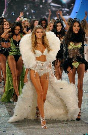Models at Victoria's Secret Fashion Show