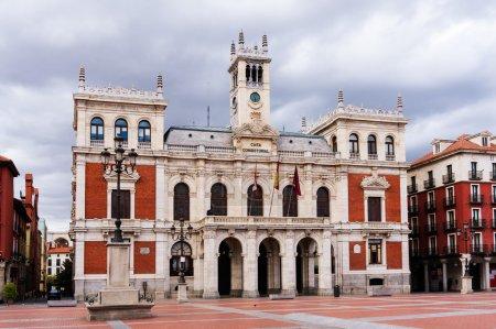 Photo pour Hôtel de Ville de Valladolid, Castilla y Leon, Espagne . - image libre de droit