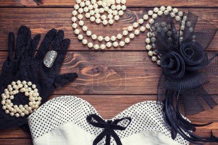 Retro dress and accessories