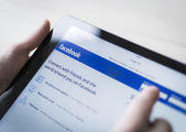 Facebook on tablet pc