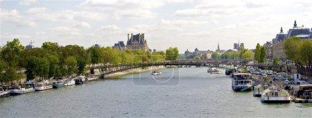 Bridge Passerelle Léopold-Sédar-Senghor, Paris, France