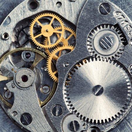 Photo pour Engrenages métalliques de vieux mécanisme d'horloge - image libre de droit