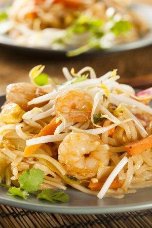 Photo pour Maison asiatique tampon thaï avec crevettes et coriandre - image libre de droit