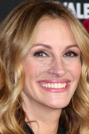 Photo for Julia Roberts arrivng at the Valentine's Day World Premiere Grauman's Chinese Theater Los Angeles, CA on February 8, 2010 - Royalty Free Image