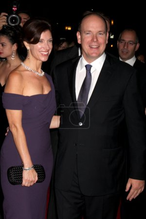 Photo for Pery Ellen Berne & HSH Prince Albert II of Monaco at the Rodeo Drive Walk of Style Awards 2009 honoring Princess Grace of Monaco & Cartier at Rodeo Drive in Beverly Hills, CA on October 22, 2009 - Royalty Free Image