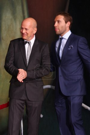 Bruce Willis Jai Courtney