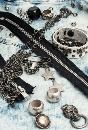 Sewing accessories and skull jewelry
