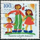 Germania - circa 1992: un timbro stampato in Germania, Mostra la famiglia, intorno al 1992