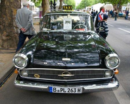 Cars Opel Kapitan Taxi in