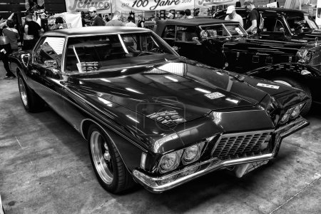 Personal luxury car Buick Riviera