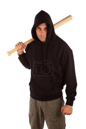 Photo pour Hooligan en colère avec une batte de baseball isolé sur blanc. mettre l'accent sur les MTD - image libre de droit