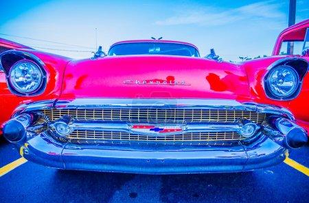 Photo pour Détails de voiture vintage classique à un salon de voiture - image libre de droit