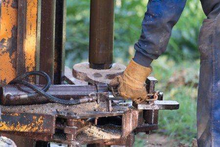Photo pour Détails de la construction d'un puits d'eau - image libre de droit