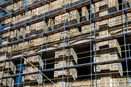External repair of a building