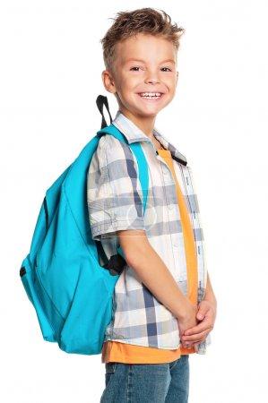 Photo pour Portrait d'un écolier avec sac à dos, isolé sur fond blanc - image libre de droit