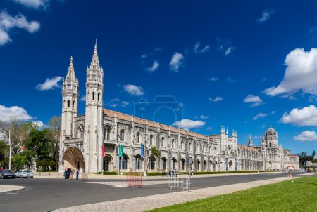 Maritime Museum and Jeronimos Monastery in Lisbon