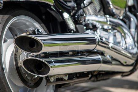 gros plan des gaz d'échappement de moto