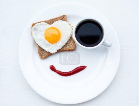 Photo pour Le bon petit déjeuner avec amour - image libre de droit