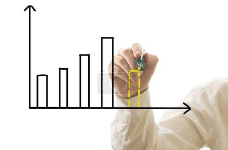 Photo pour Homme d'affaires dessin graphique à barres avec prévision de crise isolé sur blanc . - image libre de droit