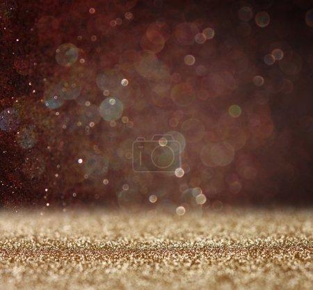 Foto de Brillo vintage luces de fondo. oro claro y negro. desenfocado - Imagen libre de derechos