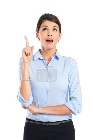 Photo pour Portrait d'une jeune femme d'affaires ayant une grande idée - image libre de droit