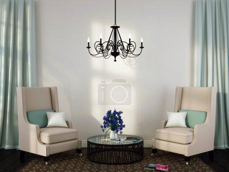 Photo pour Intérieur de style classique avec des fauteuils élégants, une table basse et un grand lustre - image libre de droit